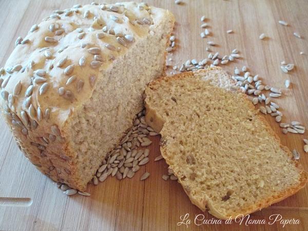 Pane con semi di girasole-La macchina del pane