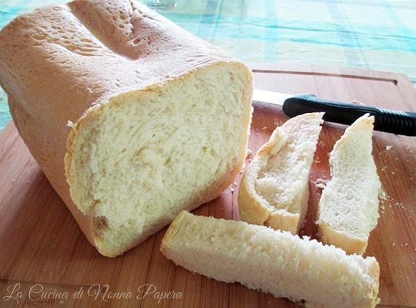 Pane senza sale-La macchina del pane