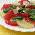 Insalata di pompelmo rosa limone valeriana