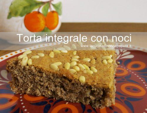 Torta integrale con noci miele e pinoli