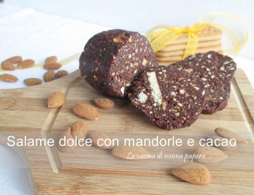 Salame dolce con mandorle e cacao