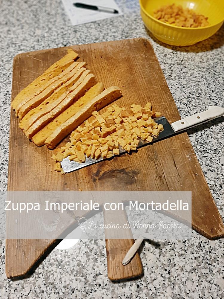 Zuppa Imperiale con Mortadella