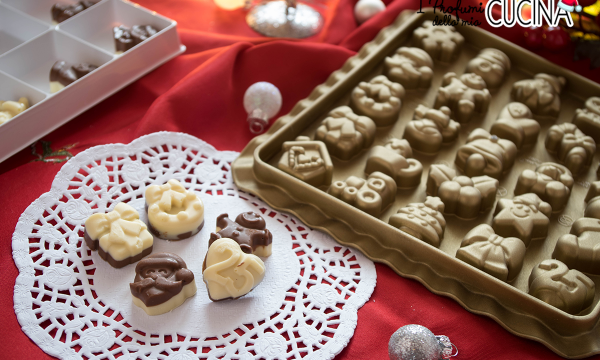 Cioccolatini bicolore per calendario dell' avvento