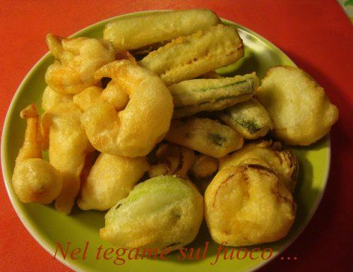 Zucchine, porri e gamberi in pastella – Ricetta veloce-