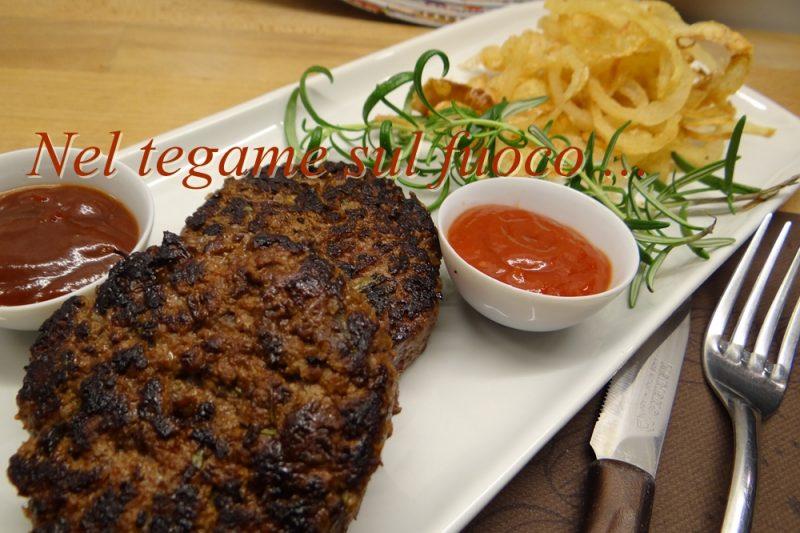Hamburger con cipolla e rosmarino alla griglia – ricetta secondi –