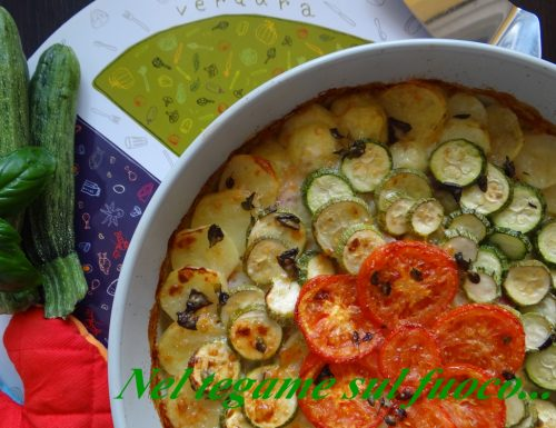 Tortino tricolore di patate e zucchine – ricetta piatto unico –