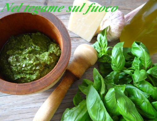 Pesto alla genovese con pistacchi- ricetta regionale-