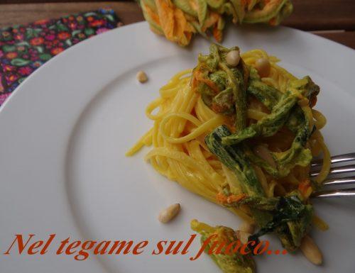Pasta ai fiori di zucca e zafferano – primo piatto veloce-