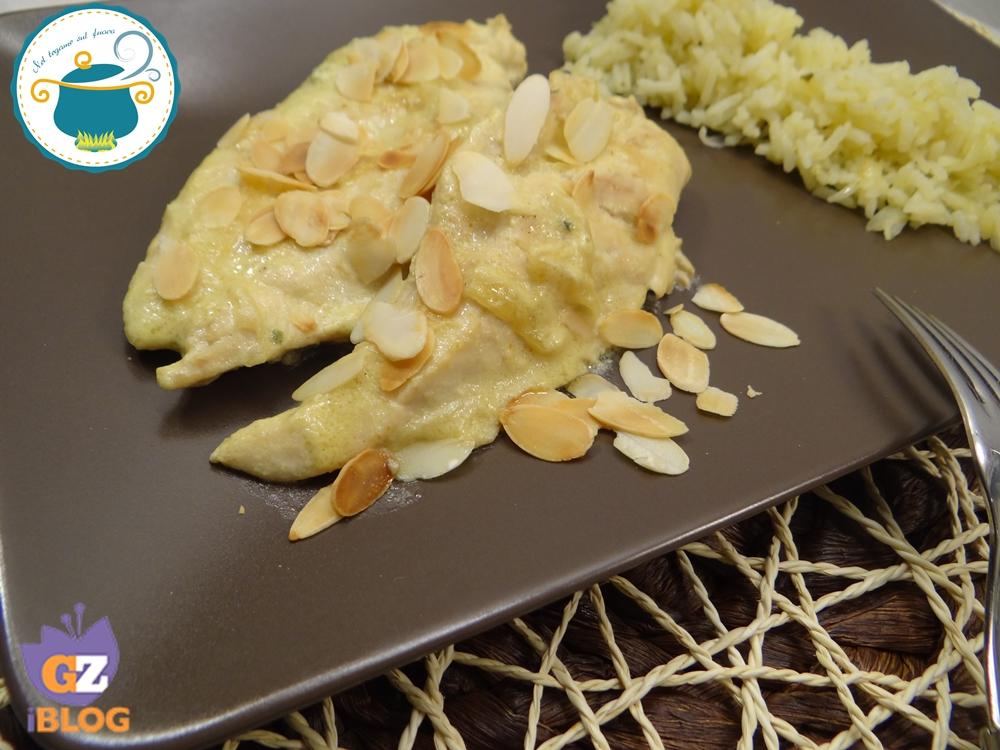 pollo al latte di cocco e mandorle