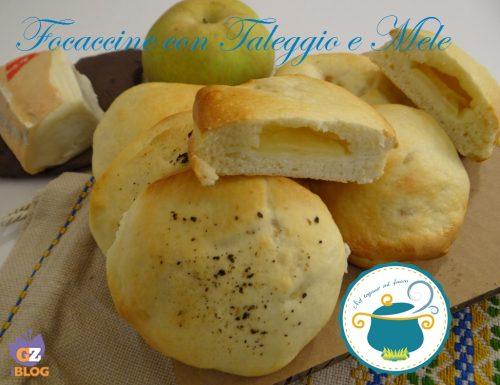 Focaccine con taleggio e mele – ricetta lievitati –