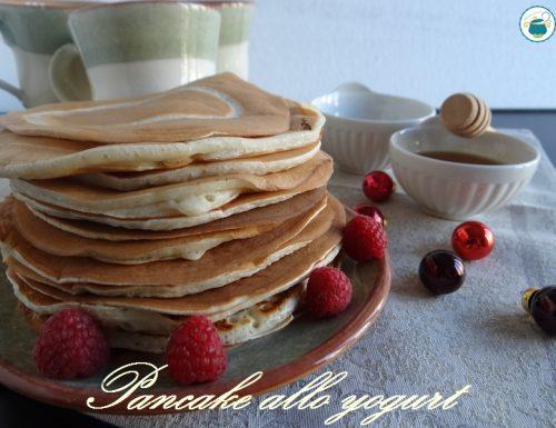 Pancake alla vaniglia con yogurt – ricetta dolce senza uova-