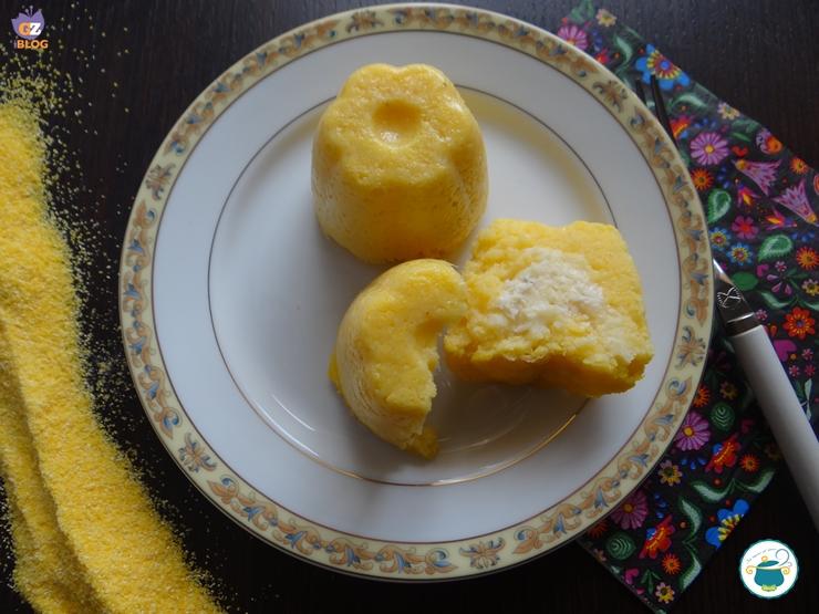 Muffin di polenta ai formaggi