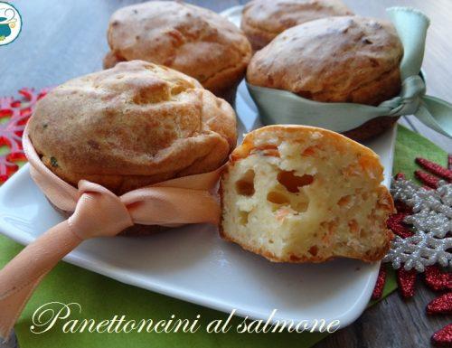 Panettoncini salati al salmone- ricetta natalizia-