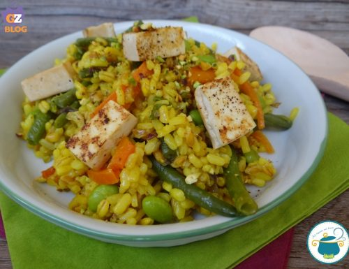 Tris di cereali con verdure e tofu marinato / ricetta vegana