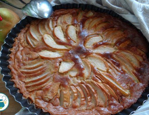 Torta di pere e cannella cremosa/ dolce al cucchiaio
