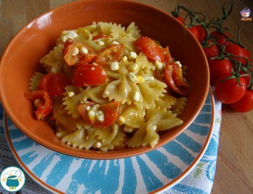 Pasta pomodorini e formaggio light – piatto vegetariano-