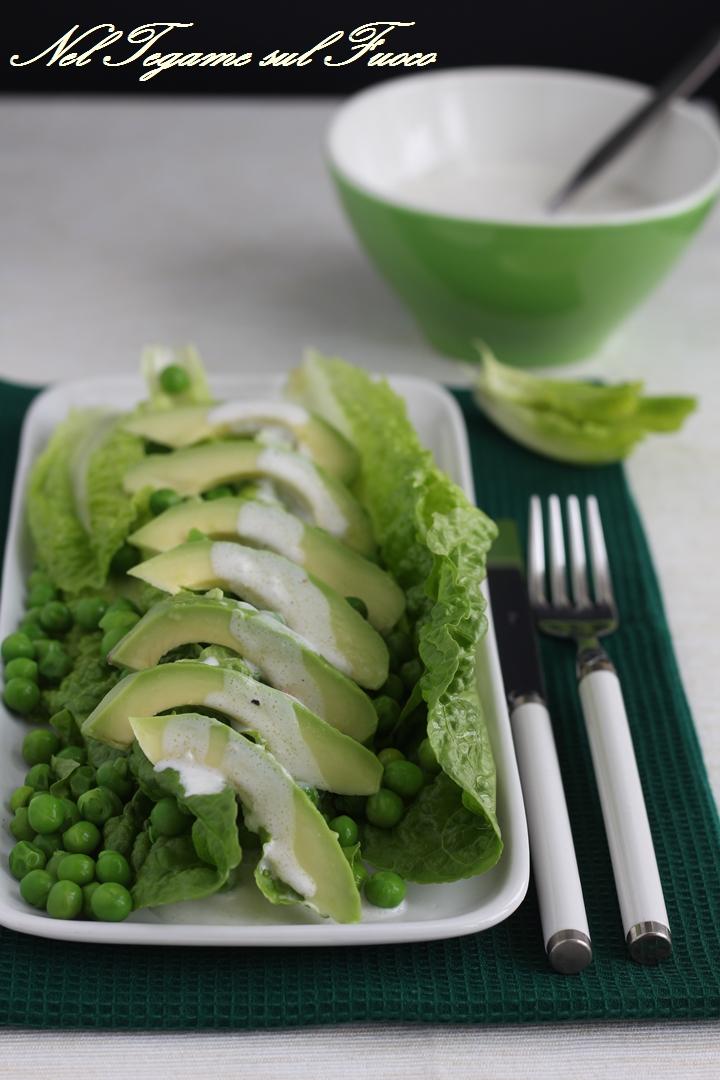 insalata+lattuga+avocado+piselli+latte+di+cocco