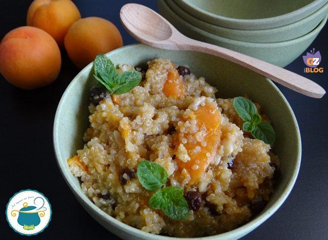 Quinoa dolce con albicocche e uvetta – ricetta vegana –