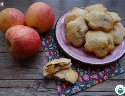 Fior di mela – biscotti di farro e ricotta ripieni di mela –