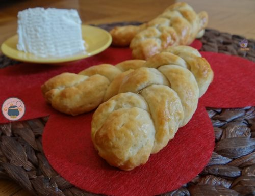 Treccine di ricotta – ricetta biscotti morbidi –