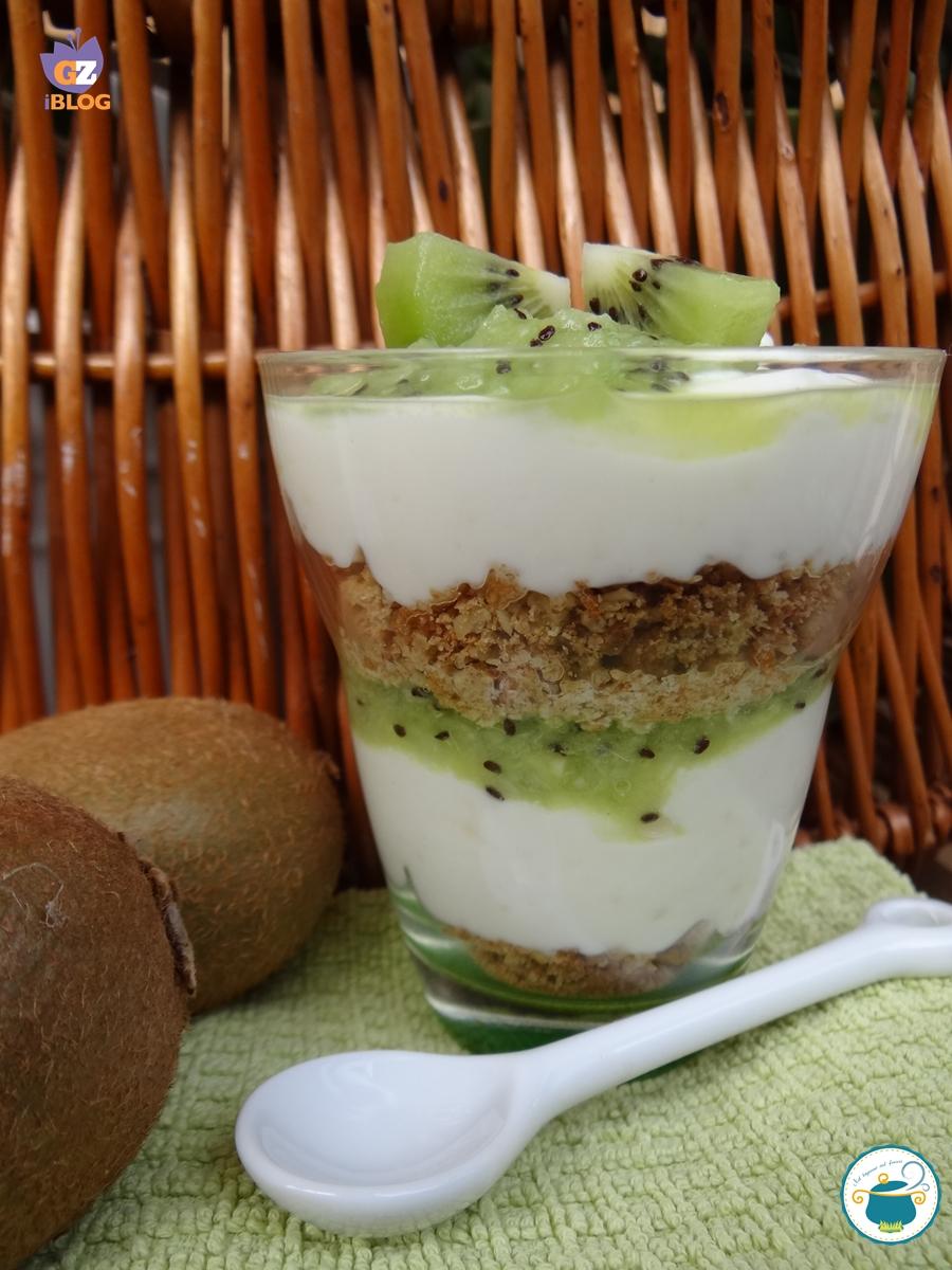 Favoloso Coppa yogurt greco e kiwi con croccante anche a basso indice glicemico IU01