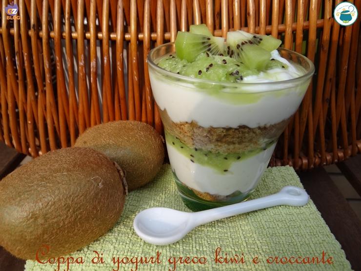 Top Coppa yogurt greco e kiwi con croccante anche a basso indice glicemico GF35