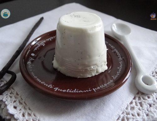 Panna cotta vanigliata – dolce al cucchiaio –
