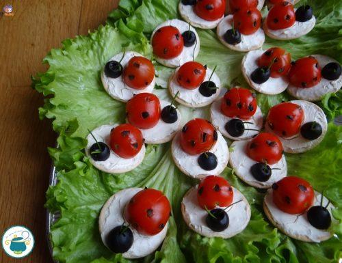 Coccinelle di pomodorini e olive / antipasto