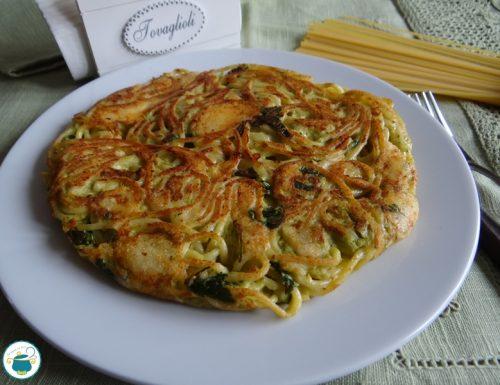 Frittata di spaghetti con broccoli e caciocavallo