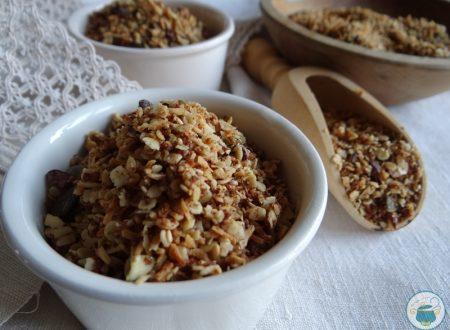 Granola al cocco e fave di cacao / ricetta a basso IG