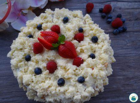 Torta mimosa ai frutti di bosco e chantilly