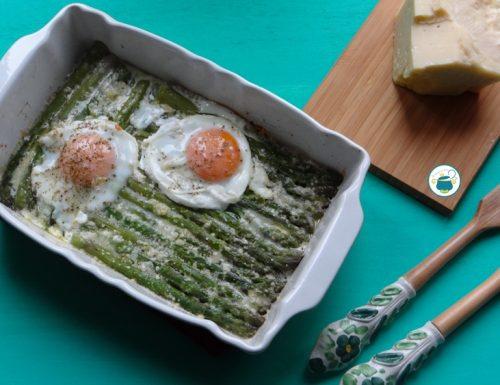 Asparagi gratinati con uova