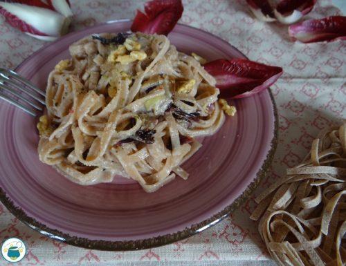 Pasta con salsa di noci e radicchio