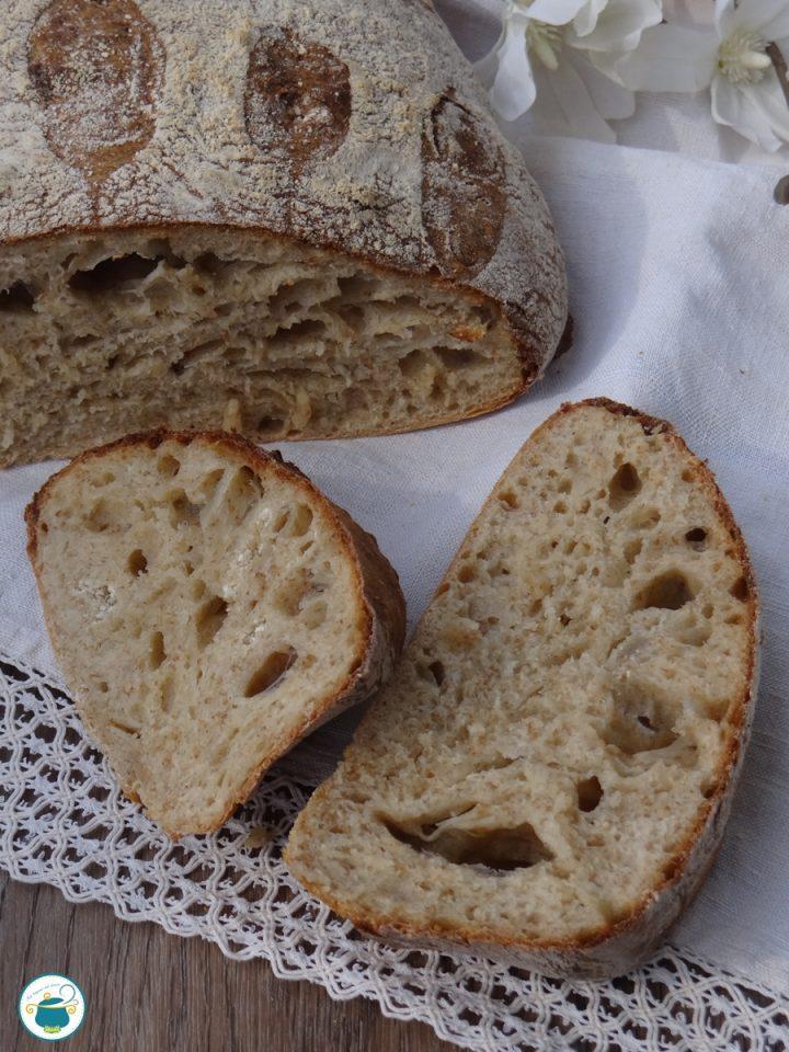 Pane rustico semi integrale ad impasto caldo