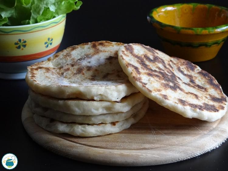 Pane naan con lievito madre