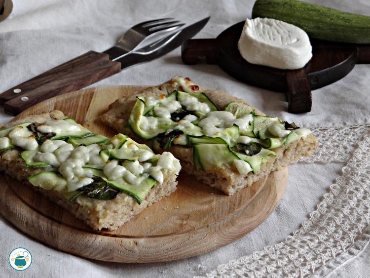 Pizza con farina integrale alle zucchine e primo sale