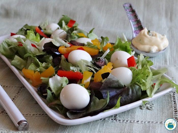 Insalata con uova di quaglia