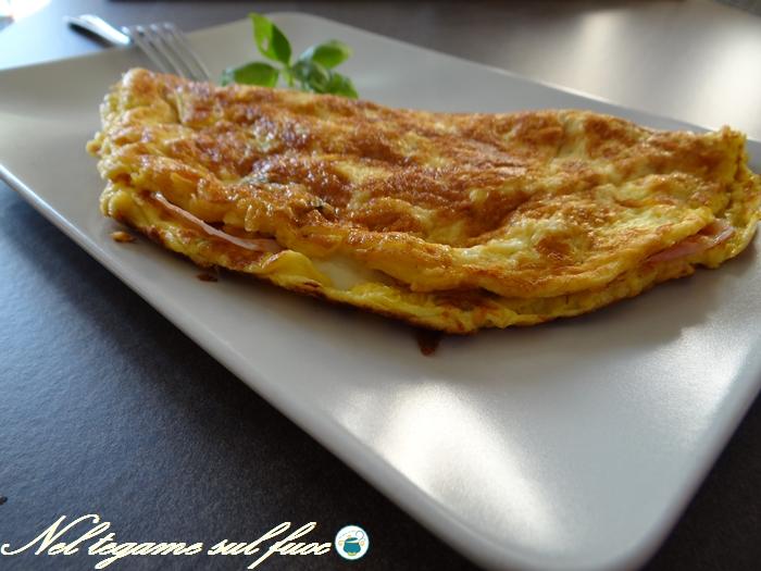 Omelette al prosciutto e formaggio