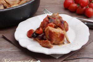 Coniglio con olive e pomodorini