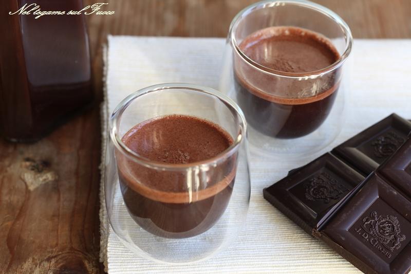 Crema di liquore al cacao e vaniglia
