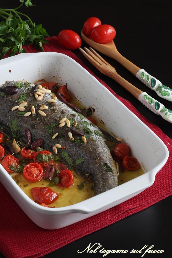 Ombrina al forno alla mediterranea con olive e pomodorini - Cucinare olive appena raccolte ...