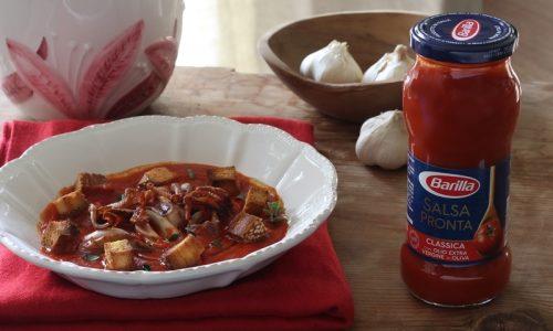 Zuppa di pomodoro con calamari grigliati