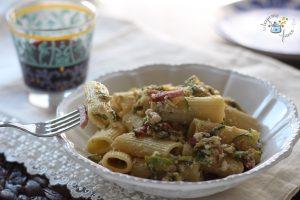 Pasta con ricotta e zucchine con speck