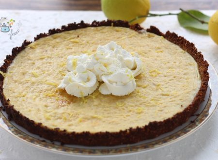 Crostata con biscotti e crema al limone