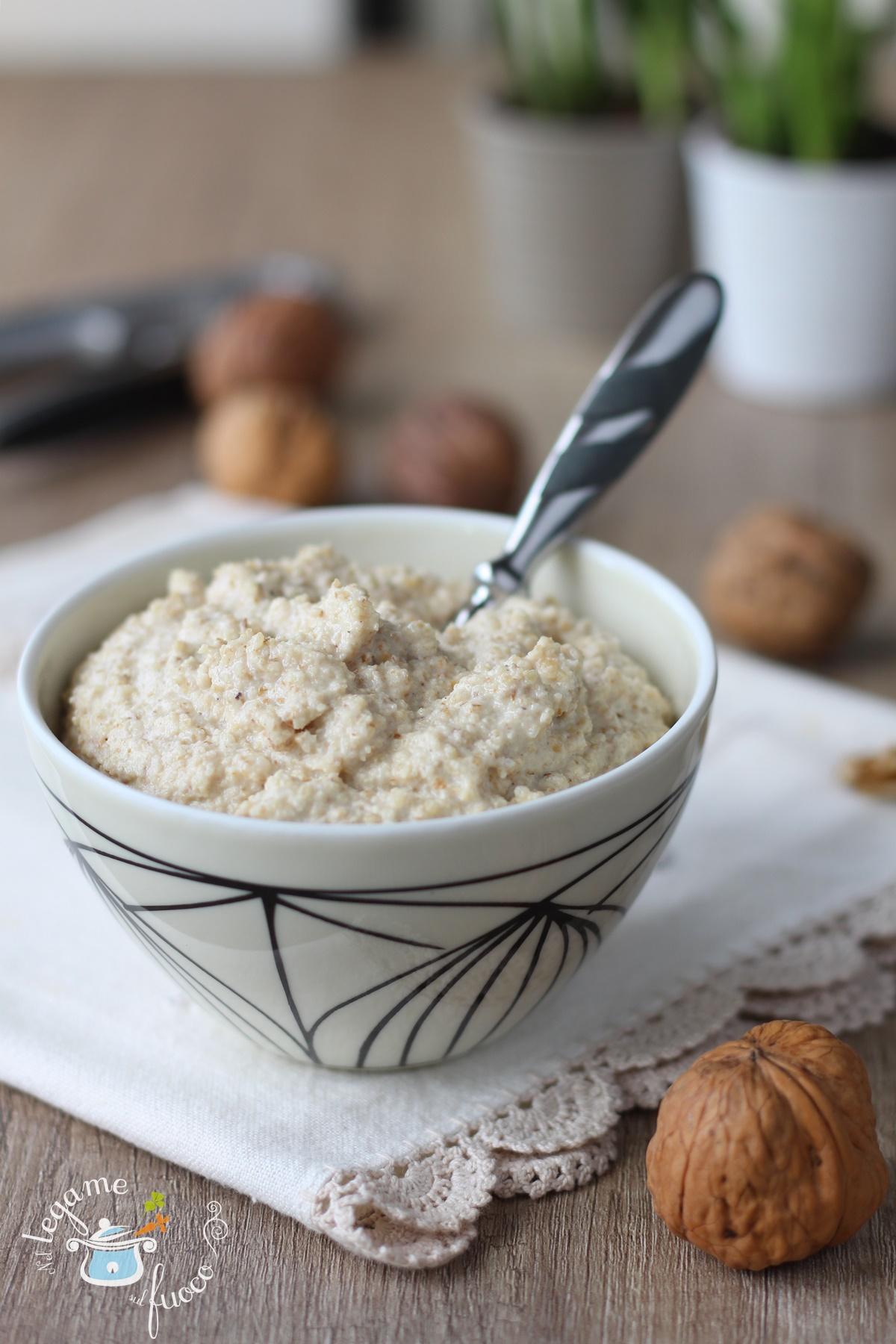 Salsa di noci senza panna e senza aglio cremosa