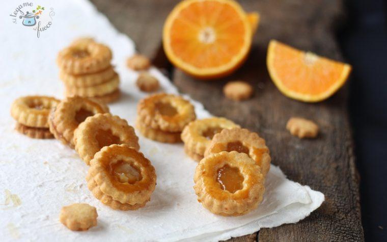 Biscotti occhi di bue all'arancia e zenzero
