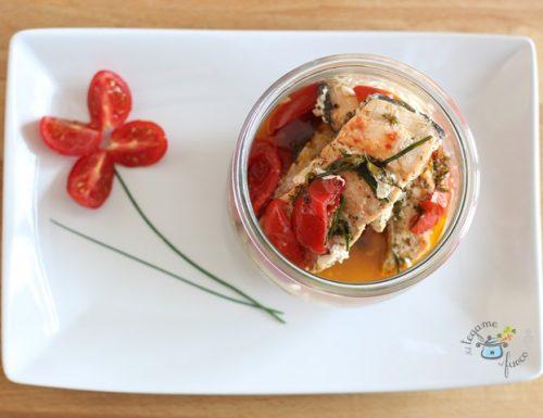 Salmone in vasocottura alle erbe e pomodorini
