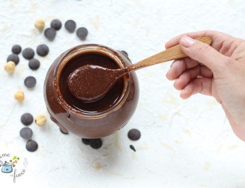Crema spalmabile senza zucchero fatta in casa