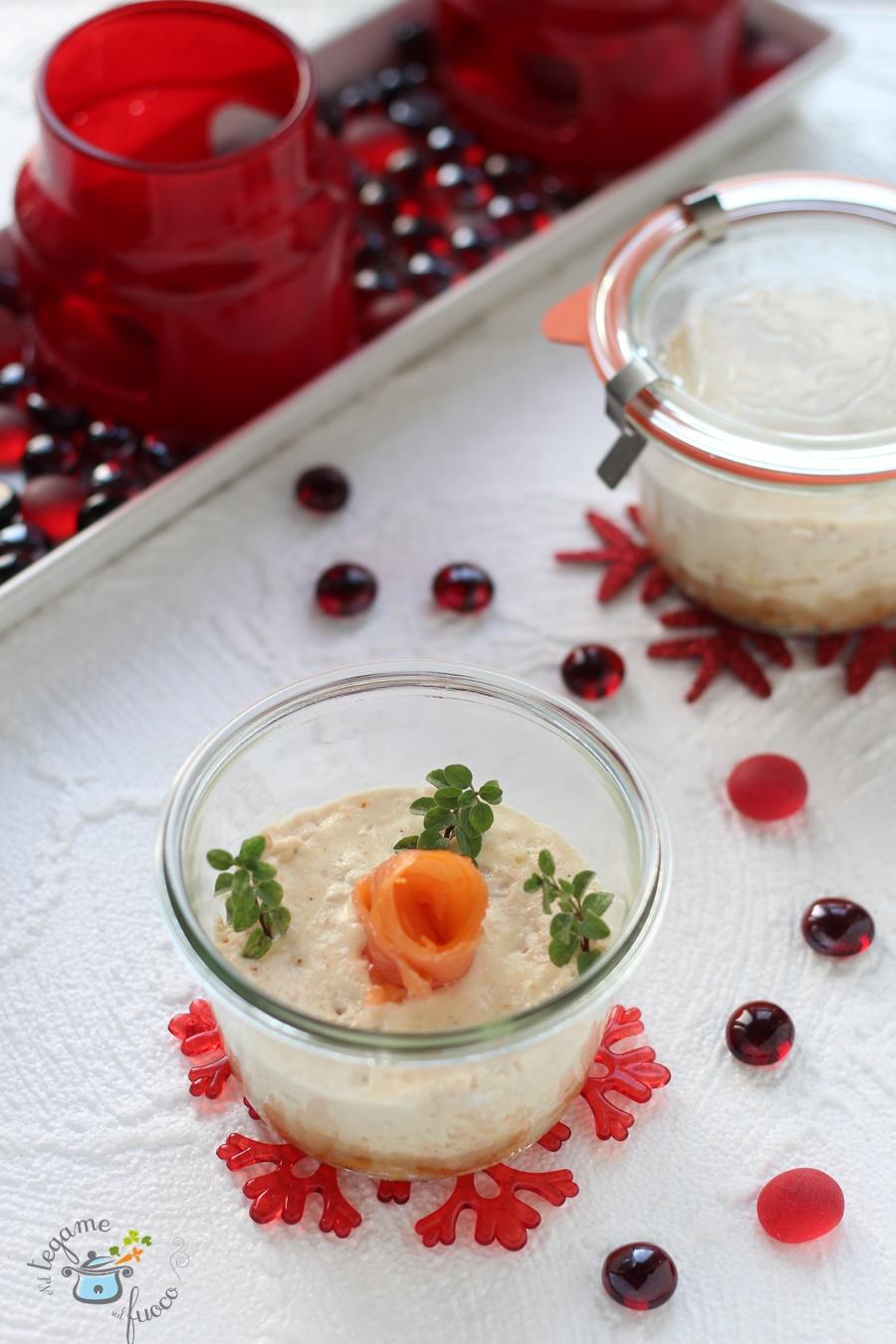 cheesecake salata in vasocottura al salmone
