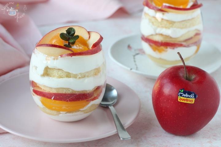 coppa alla crema mascarpone con mele e frutta